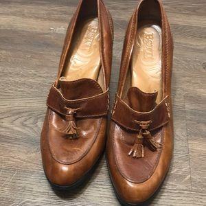 BORN tassel front block heel tan size 10